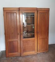 Antik 3 ajtós, vitrines ruhás szekrény
