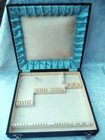 Evőeszköztartó doboz