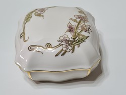 Zsolnay Tavasz mintás bonbonier  10,5 cm x 10,5 cm