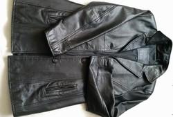 38 - 40 méretű fekete ,puha, női bőrkabát