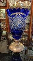 Ólomkristály váza. Kézi csiszolás. Kék szín. Ezüst talpú. Dianas l. 1900-as évek.