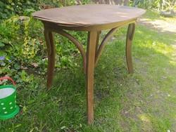 Thonet kisasztal
