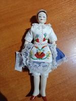 Kolumbán Doll Porcelán baba népviseletes
