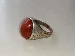 Ezüst pecsét gyűrű Karneol kővel díszítve 800-as