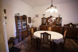 Bővíthető antik ovális étkező asztal székekkel