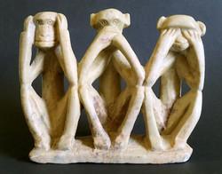 Régi retró kézzel faragott zsírkő faragás figura szobor három bölcs majom