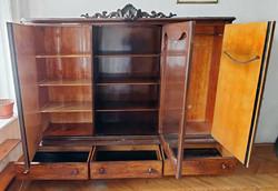 Neobarokk intarziás 3 ajtós szekrény