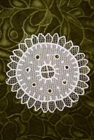 Rátétes tüll csipke kézimunka terítő , asztalközép , dekoráció lakástextil 14,5 cm