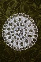 Rátétes tüll csipke kézimunka terítő , asztalközép , dekoráció lakástextil 16,5 cm