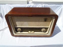 Vadásztölténygyár R 946 FI. Szimfónia régi rádió