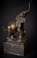 Elefánt bronz szobor