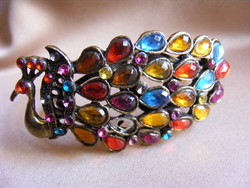 Páva színes kövekkel bizsu karkötő karperec