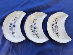 Zsolnay búzavirágos csontos tányérok