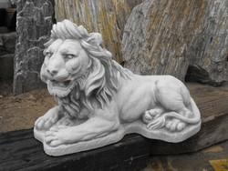 Szép kidolgozású Műkő Kastély kerti kő Oroszlán szobor kb 40cm