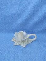 Porcelán virág formájú gyertyatartó