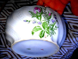 Antik nagy pogácsás  tál- belül is vadrózsa  mintás kézi festéssel