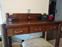 Gyönyörű 3 fiókos fésülködő /  smink asztal + hozzá tartozó ülőke