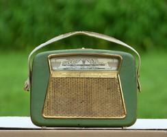 Régi táska rádió az 50-60 évekből