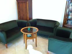 1 db zöld bársony bieder kétszemélyes kanapé és 1 db fotel együtt garnitúraként