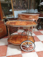 Intarziás barokk stílusú zsúrkocsi