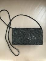 Elegáns alkalmi táska fekete gyöngyökkel