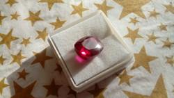 10.20 karátos rubin drágakő tanúsítvánnyal