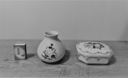 Porcelán váza és bonbonier / doboz
