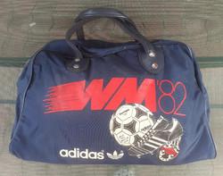 Retró Adidas táska. 48x29x23 cm