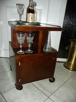 Ritka, antik Art Deco picike gurulós, szekrényes, üveg tetejű zsúrkocsi / bárszekrény