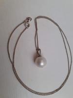 Jelzett 925-ös női ezüst nyaklánc rajta valódi gyöngy medállal