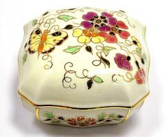 Zsolnay pillangós bonbonier (ZAL-R63901)