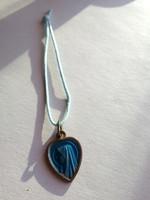 Vallási témájú réz medál a hátoldalán a Lourdes-i csoda megjelenítésével - régiség