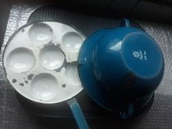 2 db paraszti konyhai felszerelés- kék zománcos serpenyő és Weiss Manfréd vájling/Nosztalgia tárgyak