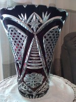 Bíbor színű kristály váza