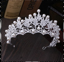Esküvői, menyasszonyi, alkalmi hajdísz,tiara, fátyol tartó ES-H-T04