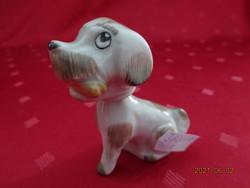Aquincum porcelán figurális szobor, pici kutya mozgó fejjel, magassága 6,5 cm.