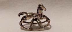 Miniatűr ezüst hintaló, dísztárgy