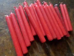 24 db régebbi , piros , karácsonyfára való gyertya , egyben .