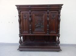 Antik dúsan faragott mulatozó társaság díszítéses nagyon nehéz keményfa ónémet tálaló szekrény 4325