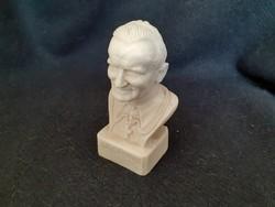 II. János Pál pápa büszt, művészi részletességgel készült, jelzett műgyanta szobor, 11 cm