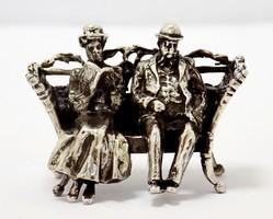 Ezüst padon ülő pár miniatűr (ZAL-BI41558)