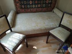 Ágyazható kanapé 2 székkel