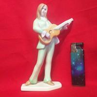 Aquincumi Gitáros Lány Figura.