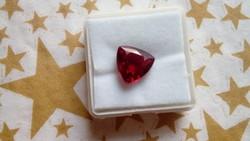 5.45 karátos rubin drágakő tanúsítvánnyal