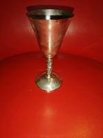 Ezüst vagy ezüstözött talpas pohár