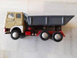 Retro lemezárugyáras Rába billenő platós teherautó