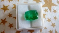 8.60 karátos zöld smaragd drágakő tanúsítvánnyal