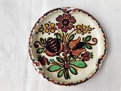 Baán népi szecessziós motivumokkal kézi festésű kerámia hamutálca HMV
