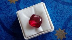 10.45 karátos rubin drágakő tanúsítvánnyal
