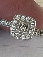Modern fazonú 10 kr brilliáns gyűrű eladó!Ara:60000.-